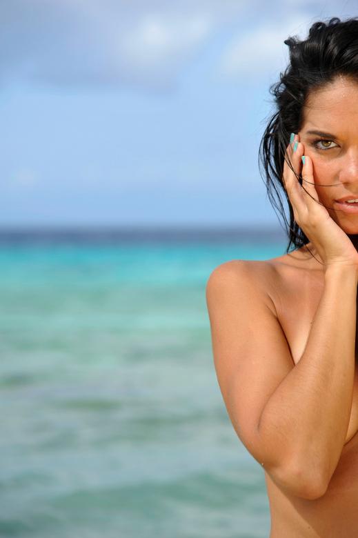 Modelshoot Shari Thijm - Fotoshoot met Shari Thijm op het strand