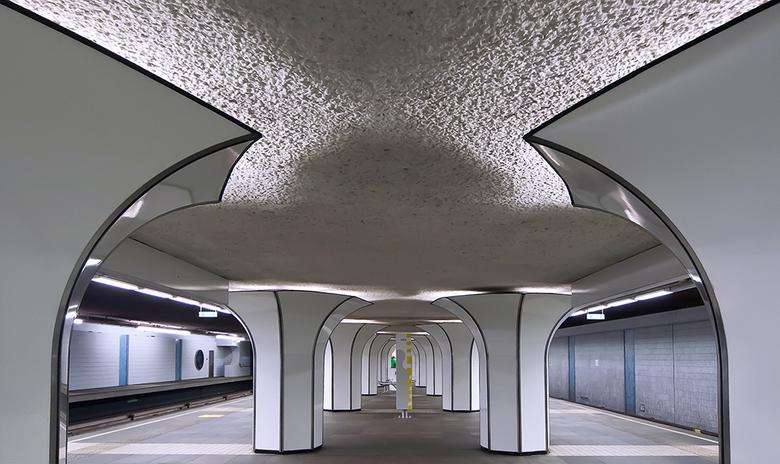 Marconiplein 2 - Metrostation Marconiplein in Rotterdam.<br /> Bedankt voor de reacties op mijn vorige foto.<br /> Gr. Adri.