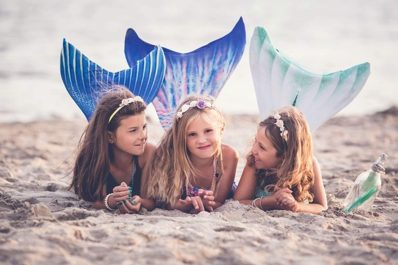 Mermaid friends -
