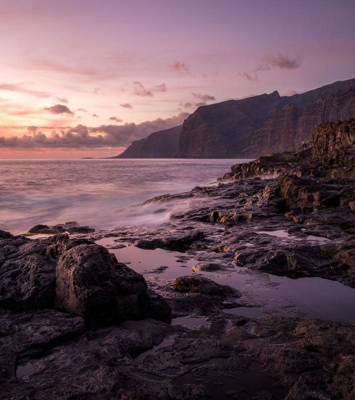 """Los Gigantes - Zonsondergang in """"Los Gigantes"""" op Tenerife. Als je dan toch op vakantie bent..."""