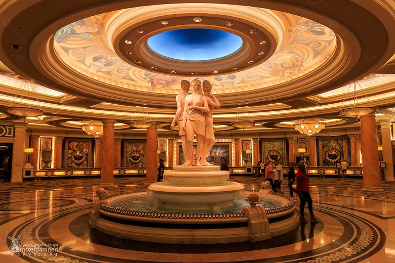 """Ceasars Palace - Het heeft heel veel weg van een museum waarin je je waant .... maar het is """"gewoon"""" maar de hotellobby van Ceasars Palace o"""