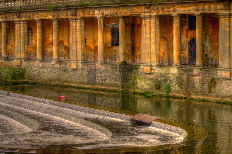 A weir,,,shot in the city Bath..UK._01 - Terug naar de U.K...heerlijk.Fotootje genomen in de stad Bath.
