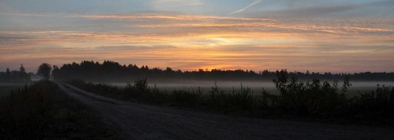 Ochtendglorie - Een mooie ochtend waarbij de mist ieder moment wordt verdreven door de opkomende zon