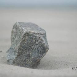 steen op strand