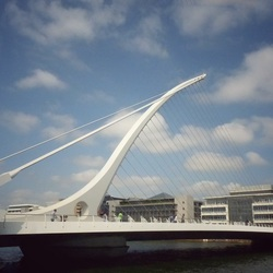 De harpbrrug in Dublin