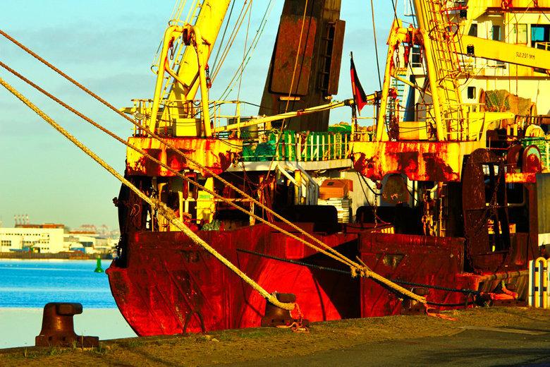 Bremerhaven vanaf de Kade.( Roest ) @BN - vanaf de kade, in de ochtend.