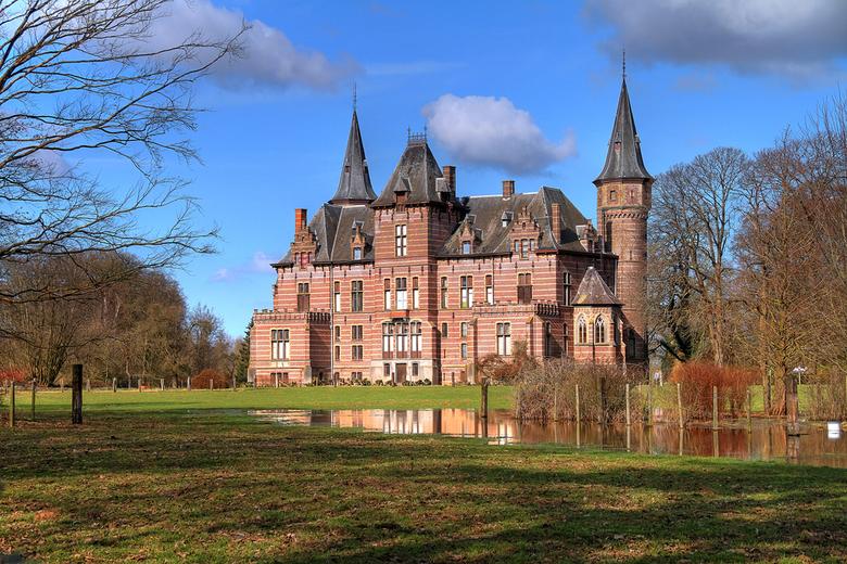 Kasteel - Dit is een foto van kasteel Du Parc, te  Vlamertinge.<br /> Het kasteel dateert uit de jaren 1800.<br /> <br /> Foto genomen tijdens een