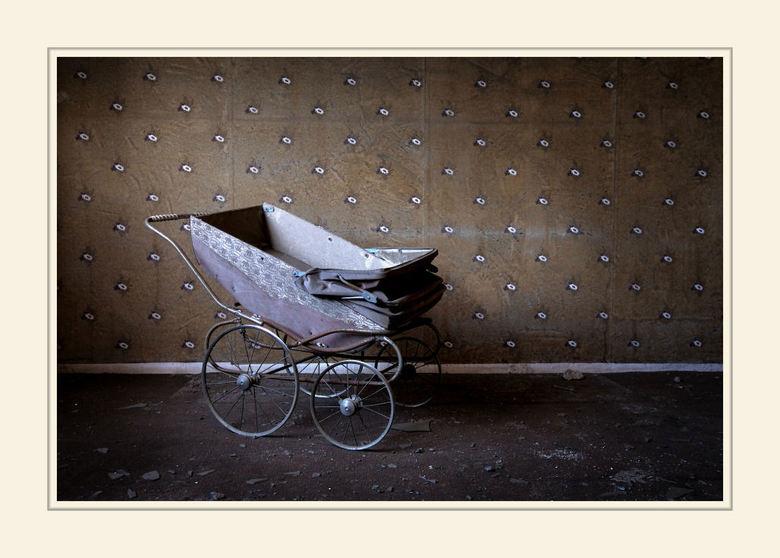 Born in decay - Gemaakt in het woongedeelte van Cheratte