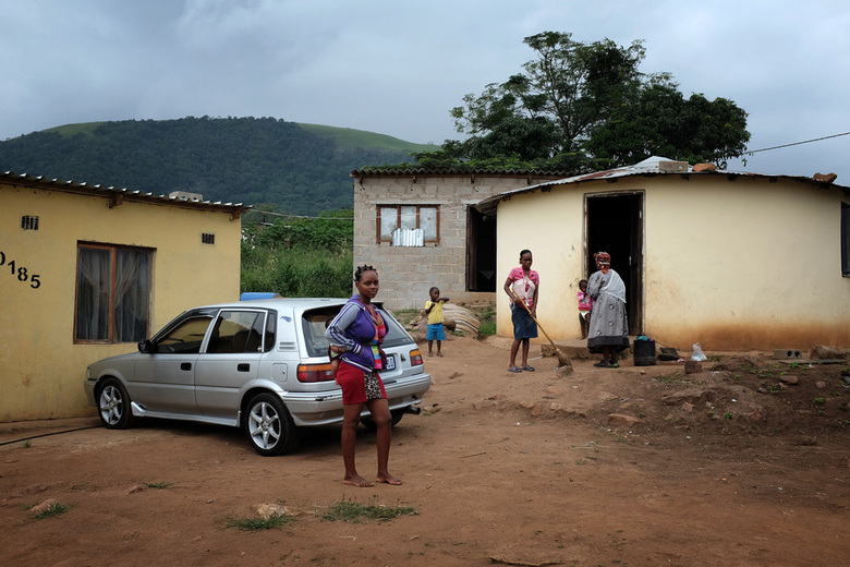 Mzinyathi - Mzinyathi is een peri-urbane nederzetting ongeveer 30 km ten noordwesten van Durban, Zuid-Afrika. Het gebied valt onder traditioneel gezag