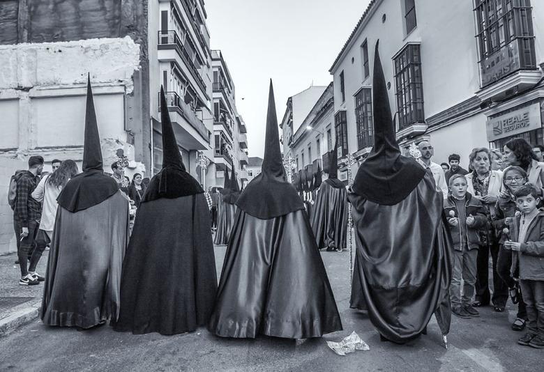 96 zw 72dpi - Semana Santa 2017. De heilige week wordt in Andalusie gevierd in de week voorafgaand aan de pasen. In alle dorpen en steden worden derge