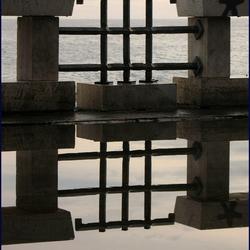 reflecties met zeezicht