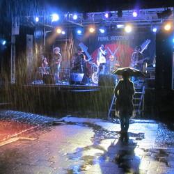 Fan in de Regen !