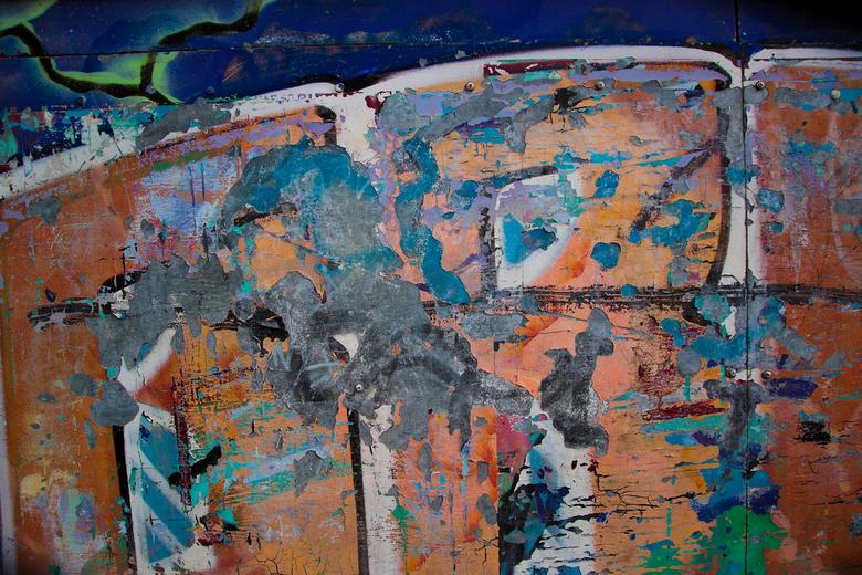 Raw G. - Verweerde Grafiti bij Station Best