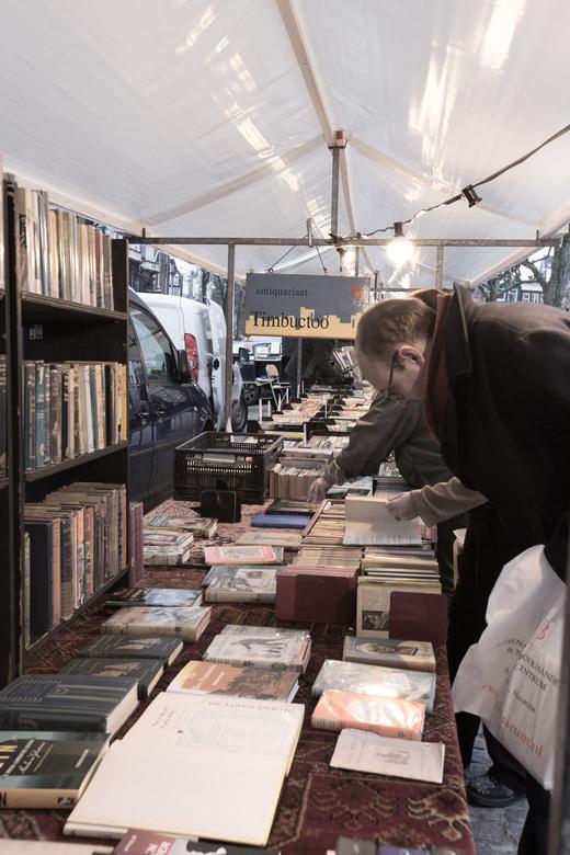 """Snuffelen - Een E-Reader is leuk maar er is ook nog veel belangstelling voor de (oude)boeken<br /> <br /> Bedankt voor jullie reacties op <a href=""""h"""