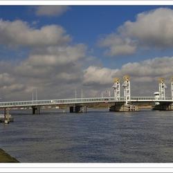 Stadsbrug over de IJssel bij Kampen - IV
