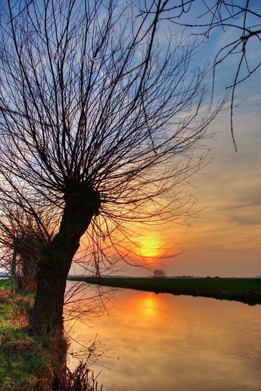 avond - de zon gaat onder