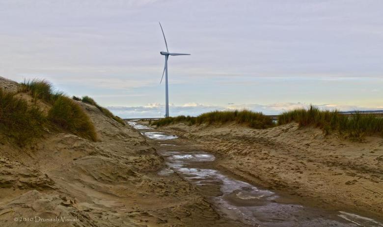 Nabij Neeltje Jans - Neeltje Jans, onderdeel van de Deltawerken in Zeeland. Nabij dit staaltje ingenieurschap de foto genomen.<br /> Beetje HDR geton