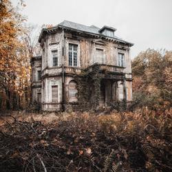 Abandoned glory