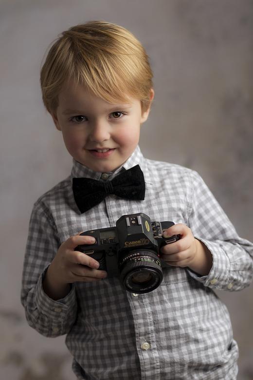 The camera project; Menno - the camera project; Menno met een canon T70