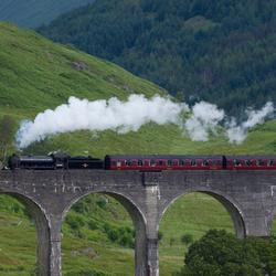 Stoomtrein door Schotlandse Landschap