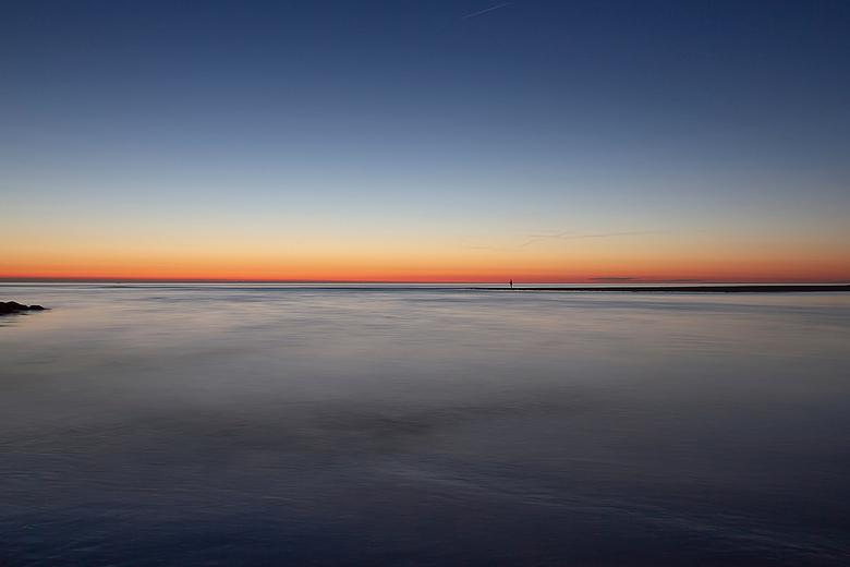 Not alone - De grote open zee,waar net de zon in verdween...en dan toch niet alleen....!