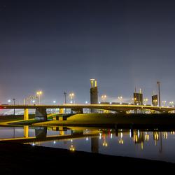 Hartelbrug in de avond.jpg