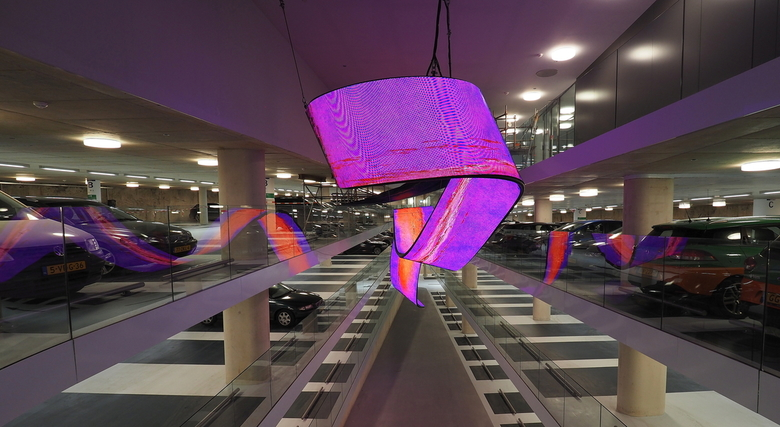 Groningen 5 - Mooie  Kunst ..onder  het Forum , in de parkeergarage