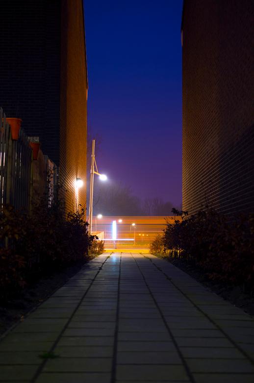steeg - avond.. lange sluitertijd, net na zonsondergang