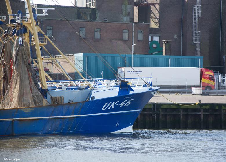 In de haven - De een breng en de ander haalt weer waarschijnlijk.<br /> <br /> Bedankt voor de reacties op de vorige foto&#039;s