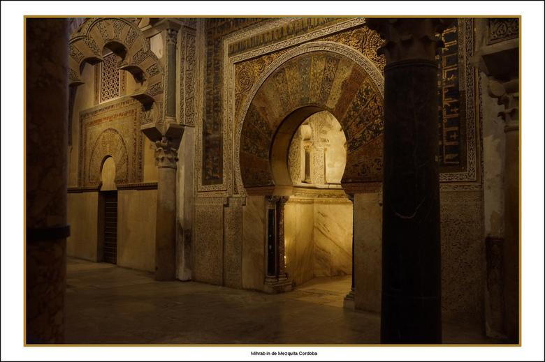 Mihrab - Mezquita moskee in Cordoba<br /> <br /> De meest opvallende curiositeit van deze moskee is haar gebedsnis oftewel de Mihrab. Een mihrab gee