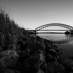 Ijsselbrug & Hanzeboog in black and white