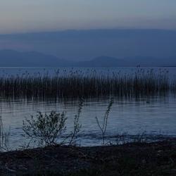 meer van Ohrid bij avond