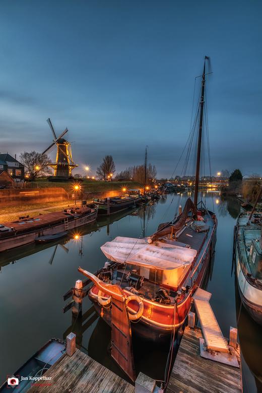"Historische haven - <span style=""font-weight:bold;"">Historische haven.</span><br /> Deze foto is gemaakt bij de Lingehaven in Gorinchem (Zuid-Holland"