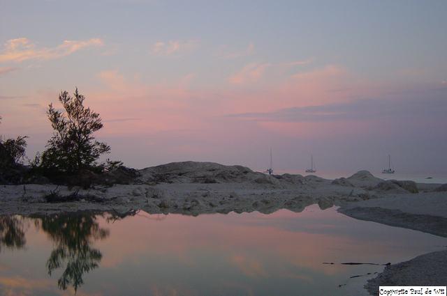Møns Klint bij zonsondergang - Zo mooi kan Denemarken zijn. Voor fietsen is het een leuk land, maar de krijtrotsen bij Møn moet je beslist gezien hebb