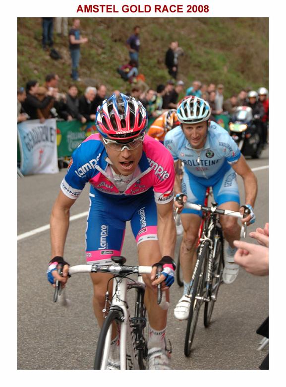 Damiano Cunego - Amstel Gold Race 2008. De latere winnaar (Damiano Cunego) van deze klassieker wordt achtervolgd door  Davide Rebellin (werd 4e) op de