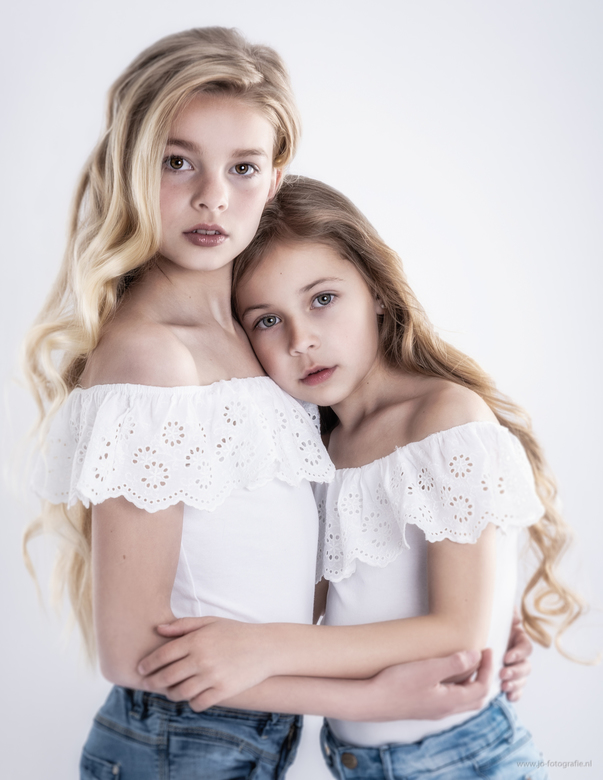Suus en Kayo - Twee prachtige meiden in één portret, geweldig!