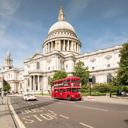 London - The City - St. Paul's Churchyard - St Pauls Cathedral