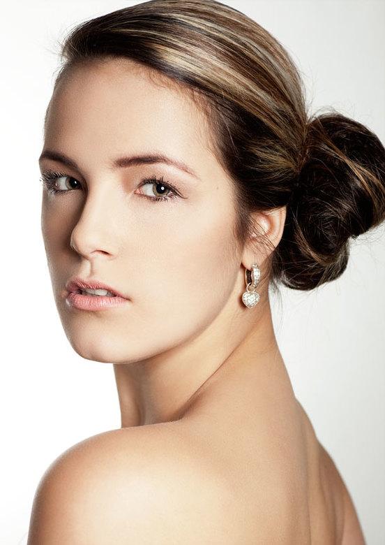 Ramona - Eerste probeersel uit shoot van gisteren. Met model Ramona Cornelissen en MUA Karin Scholte.
