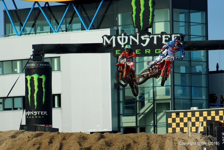 Glenn Coldenhof & Antonio Cairoli. @BN - Ware strijd op Assen, MXGP.