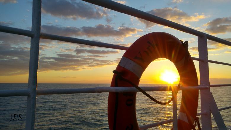 Sunset at Sea - Zonsondergang op de noordzee.