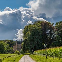 Kasteel Vorden met wolken
