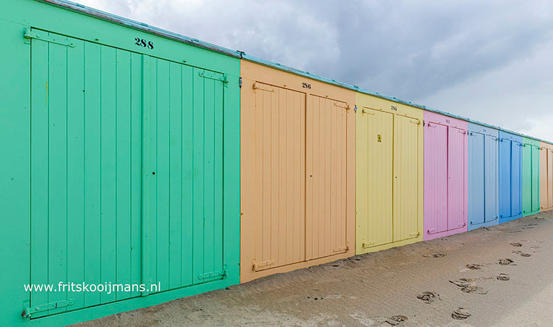 Strandhuisjes op strand Domburg - 20190908 5915a Strandhuisjes op strand Domburg