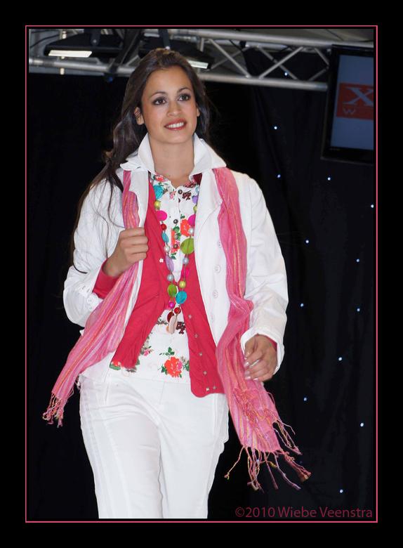Mode Event - In het weekend van 24 en 25 april 2010 is er een mode-en beauty event gehouden in het centrum van Emmen.<br /> <br /> Deze foto is geno