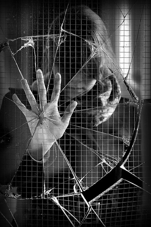 Whatever doesn't kill you.. - Zelfportret @ Abandoned Nursing Home WL