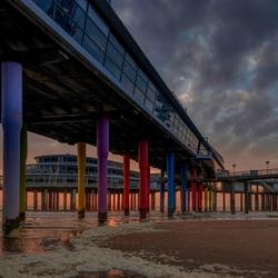 Onder de Pier van Scheveningen