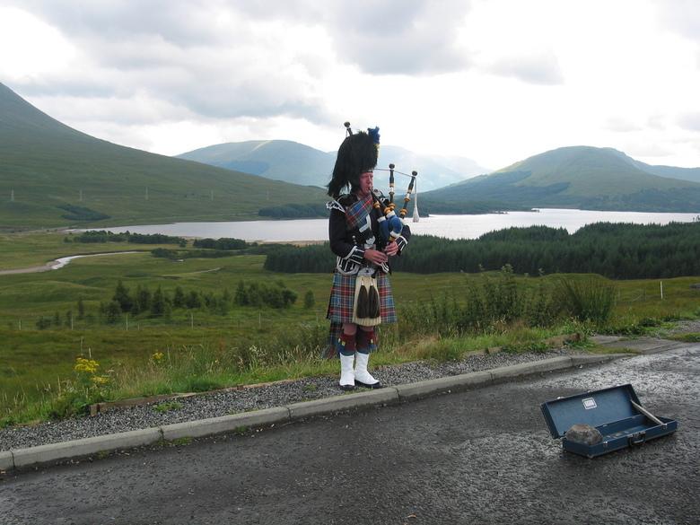Piper in Glencoe - Piper in Glencoe, Schotland