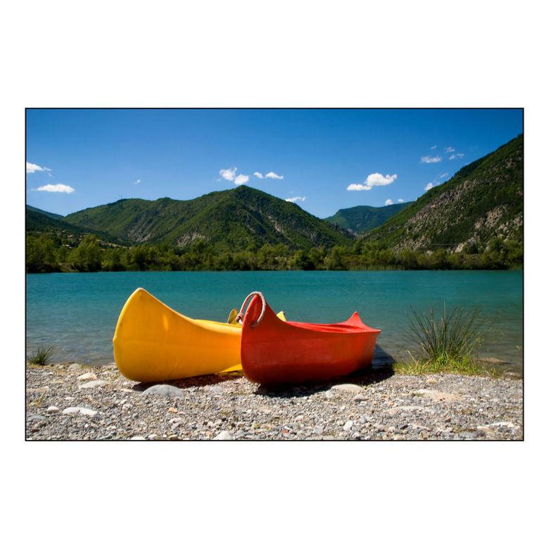 ** Waiting too ** - Om maar even bij de kano&#039;s te blijven nog een plaat van mijn afgelopen vakantie.<br /> Foto gemaakt aan een meer op de campi