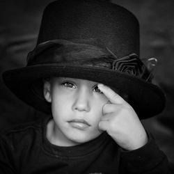 Een te grote hoed
