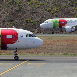 vliegtuigduo Madeira airport