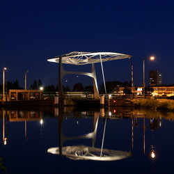 Calvebrug by night